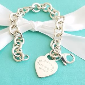 Classic heart tag link bracelet